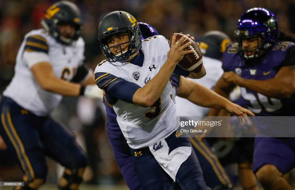 Quarterback Ross Bowers #3 of the California Golden Bears scrambles against the Washington Huskies at Husky Stadium on October 7, 2017 in Seattle, Washington.