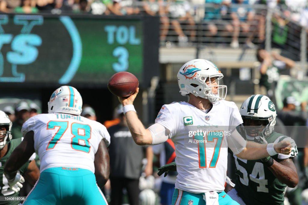 Miami Dolphins v New York Jets : News Photo