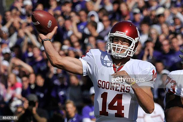 Quarterback Sam Bradford of the Oklahoma Sooners throws the ball down field in the second quarter against the Kansas State Wildcats on October 25...