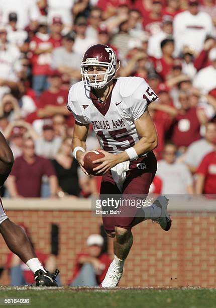 Quarterback Stephen McGee of the Texas AM Aggies runs with the ball during the game against the Oklahoma Sooners on November 12 2005 at Memorial...