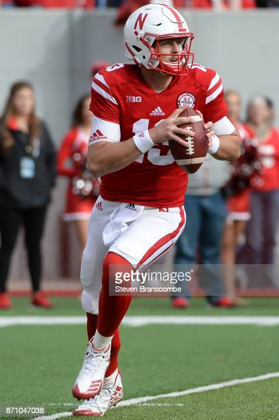 Quarterback Tanner Lee of the Nebraska Cornhuskers looks to pass against the Northwestern Wildcats at Memorial Stadium on November 4 2017 in Lincoln...