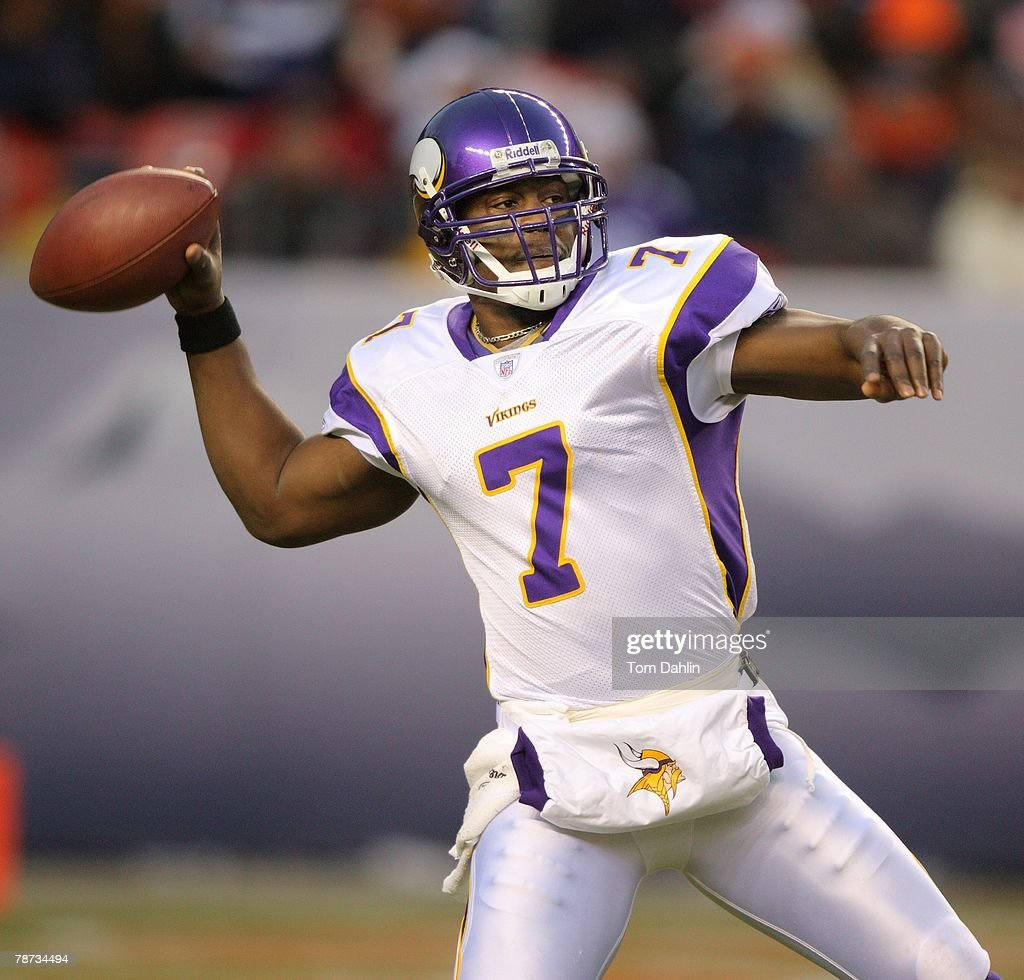 Quarterback Tarvaris Jackson #7 of the Minnesota Vikings passes the ball at an NFL game against the Denver Broncos at Invesco Field at Mile High, on December 30, 2007 in Denver, Colorado.