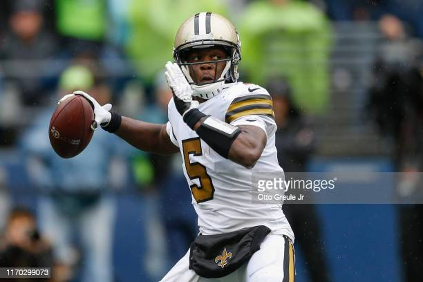 Quarterback Teddy Bridgewater of the New Orleans Saints passes against the Seattle Seahawks at CenturyLink Field on September 22, 2019 in Seattle,...