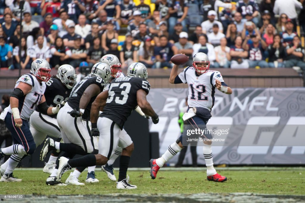 New England Patriots v Oakland Raiders : News Photo