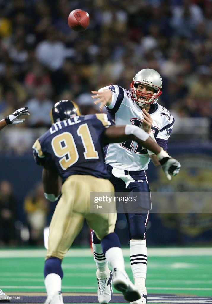 New England Patriots v St. Louis Rams : News Photo