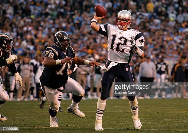 Quarterback Tom Brady of the New England Patriots throws a 4 yard touchdown pass during the fourth quarter of the AFC Divisional Playoff Game held at...