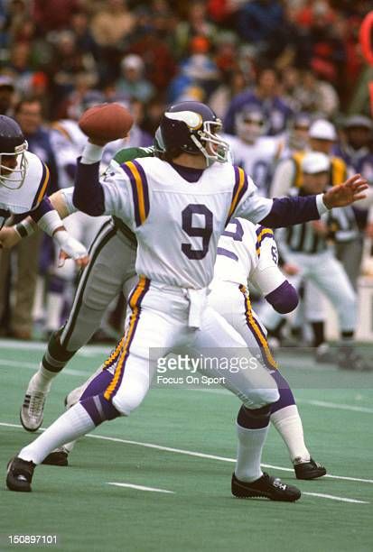 Quarterback Tommy Kramer of the Minnesota Vikings drops back to pass against the Philadelphia Eagles during an NFL football game at Veterans Stadium...