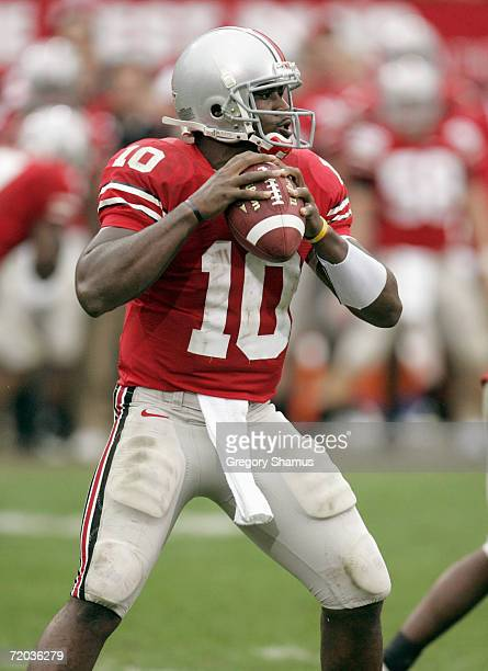 Quarterback Troy Smith of Ohio State Buckeyes looks to pass during the game against the Penn State Nittany Lions on September 23, 2006 at Ohio...