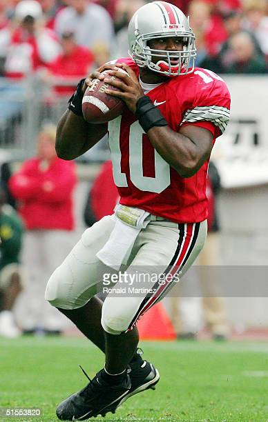 Quarterback Troy Smith of the Ohio State University Buckeyes drops back to pass against the Indiana University Hoosiers on October 23, 2004 at Ohio...