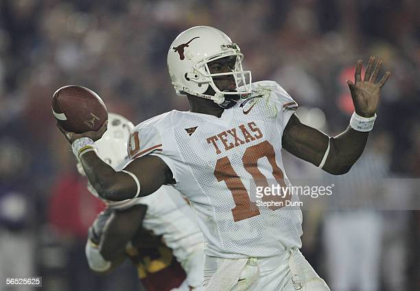 Quarterback Vince Young of the Texas Longhorns throws the football against the USC Trojans in the fourth quarter during the BCS National Championship...