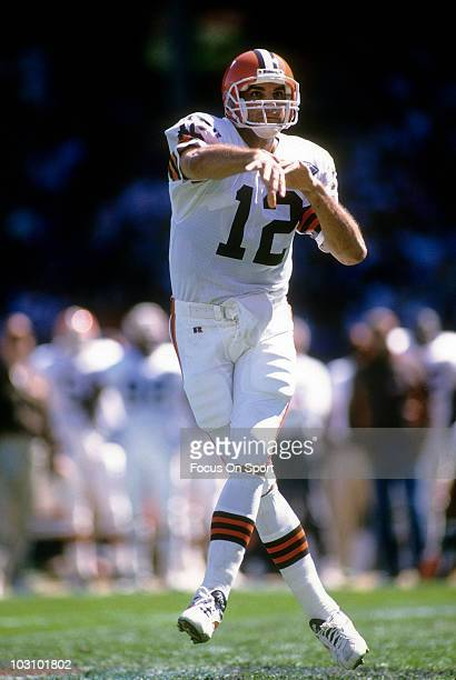 Quarterback Vinny Testaverde of the Cleveland Browns rolls out and throws a pass circa 1994 during an NFL football game Testaverde played for the...