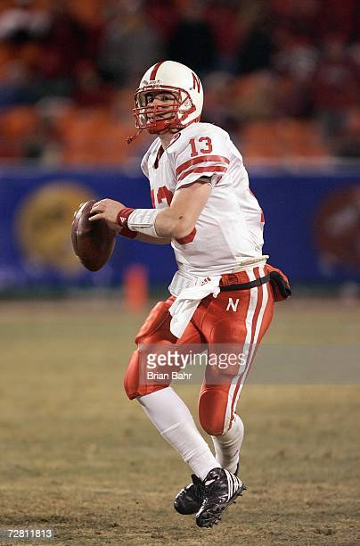 Quarterback Zac Taylor of the Nebraska Cornhuskers looks to pass the ball against the Oklahoma Sooners late in the fourth quarter of the 2006 Dr...