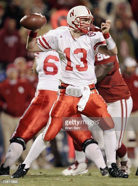 Quarterback Zac Taylor of the Nebraska Cornhuskers passes the ball against the Oklahoma Sooners late in the fourth quarter of the 2006 Dr Pepper Big...