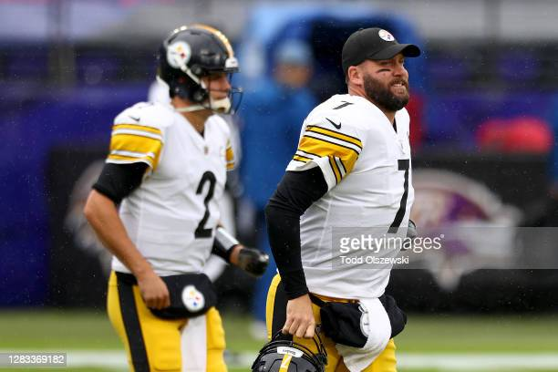 Quarterbacks Ben Roethlisberger and Mason Rudolph the Pittsburgh Steelers warm up before the start of their game against the Baltimore Ravens at M&T...