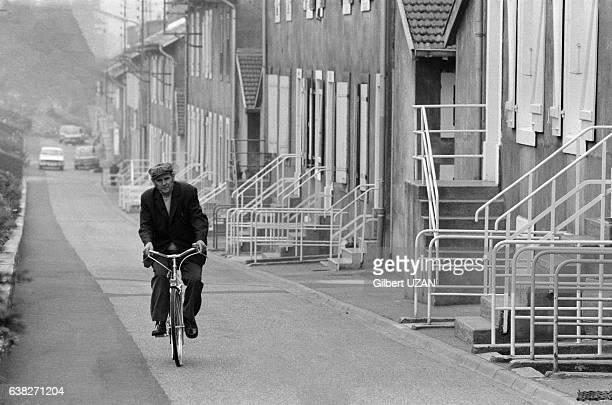Quartier ouvrier près des Hauts fourneaux à Hayange France en septembre 1978