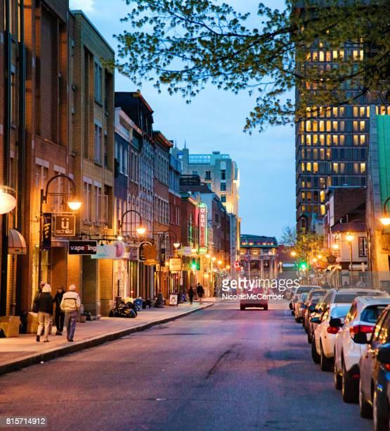 Quebec Stadt Saint-Jean Straßenszene in der Abenddämmerung