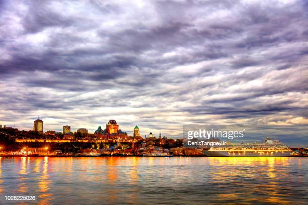 quebec city skyline along the st lawrence river - lévis quebec stock pictures, royalty-free photos & images