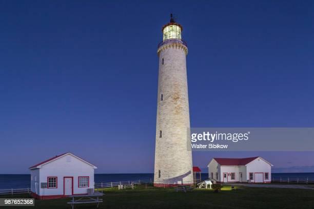 quebec, gaspe peninsula, cap-des-rosiers, cap-des-rosiers lighthouse - cap des rosiers stock pictures, royalty-free photos & images