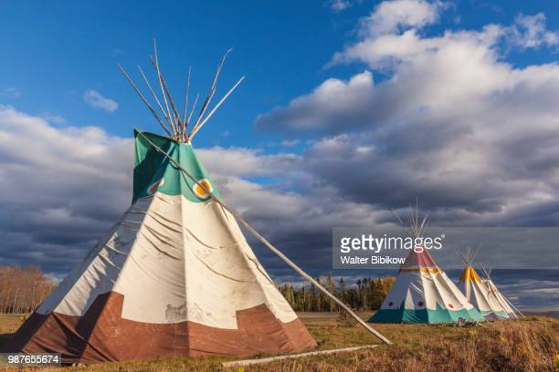 quebec, gaspe peninsula, gesgapegiag, mic-mac first nations tee-pees - teepee stock pictures, royalty-free photos & images