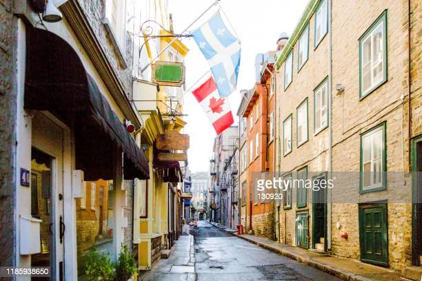 quebec - narrow street, architecture - traditionally canadian stock pictures, royalty-free photos & images