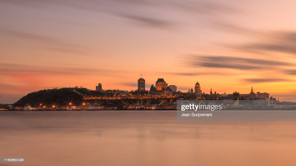 Quebec_city_long_exposure_summer_sunset_16X9_DRI : Stock Photo