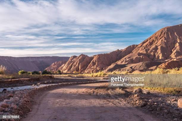 quebrada del diablo landscape, san pedro de atacama, chile - canyon stock-fotos und bilder