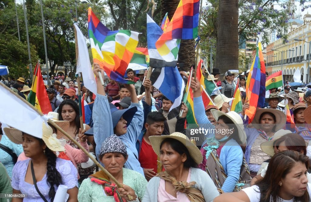 BOLIVIA-CRISIS-ELECTION-RESULT-MORALES-SUPPORTERS : News Photo