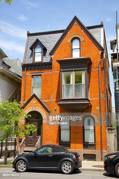 queen anne building style, hudson, ny - new hampshire stock pictures, royalty-free photos & images
