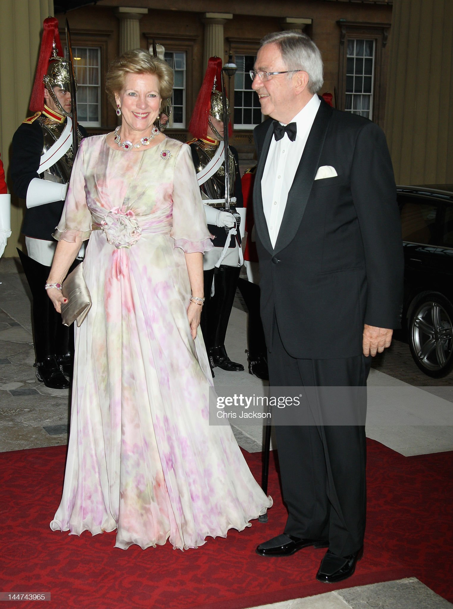Foreign Sovereigns Attend Dinner to Commemorate the Diamond Jubilee : News Photo