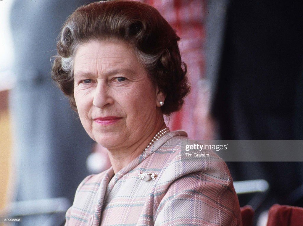 Queen Thoughtful : News Photo