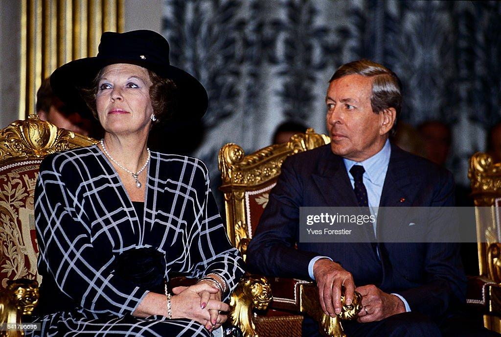 Queen Beatrix and Prince Klauss of the Netherlands in Paris : Nieuwsfoto's