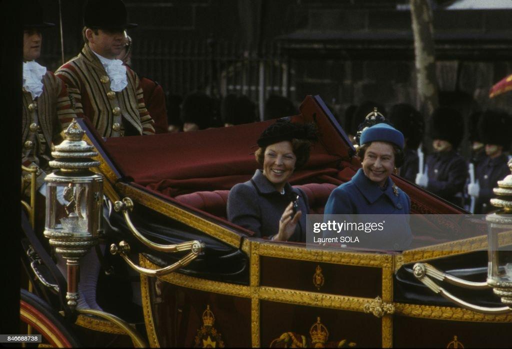 Queen Beatrix Of Netherlands And Queen Elizabeth II : News Photo