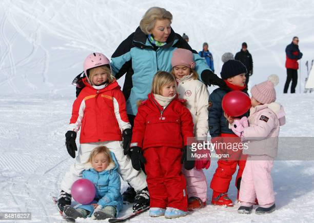 Queen Beatrix of the Netherland poses for a picture with her grand children Princess CatharinaAmalia Princess Ariane Princess Alexia The Count of...