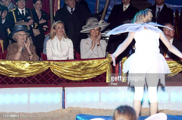 Queen Beatrix of the Netherlands First Lady Bettina Wulff and Princess Maxima of the Netherlands attend a performance of the Circus Mondeo on April...
