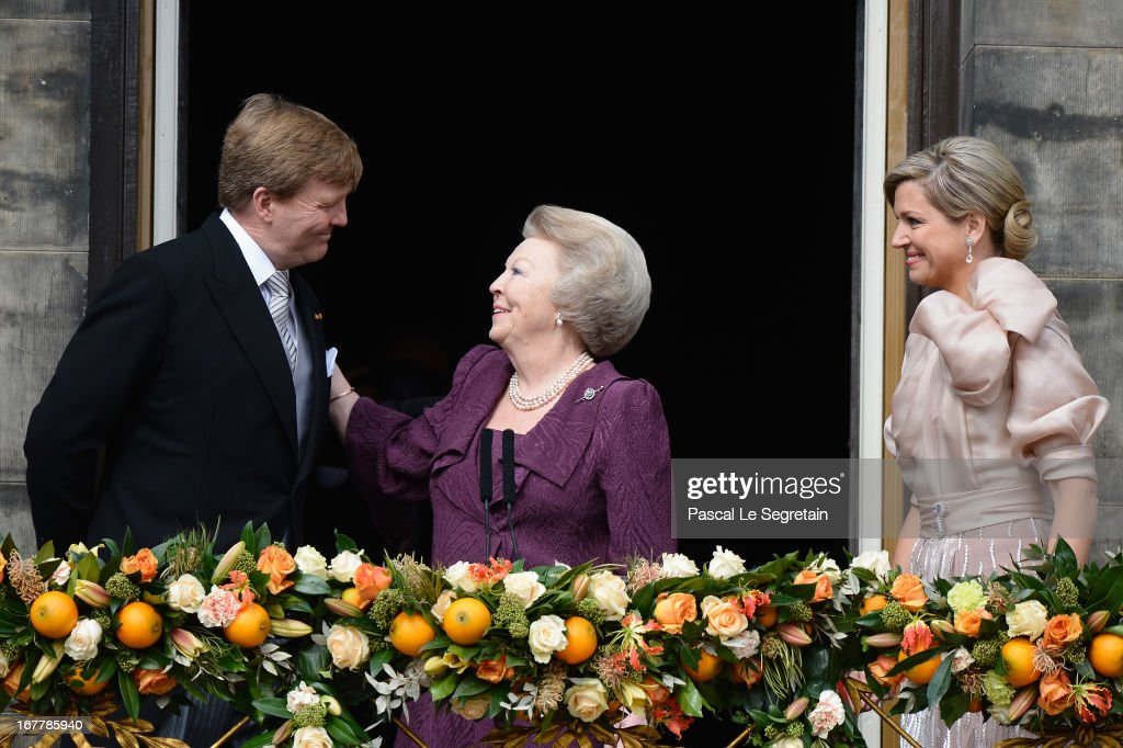 Inauguration Of King Willem Alexander As Queen Beatrix Of The Netherlands Abdicates : Nieuwsfoto's