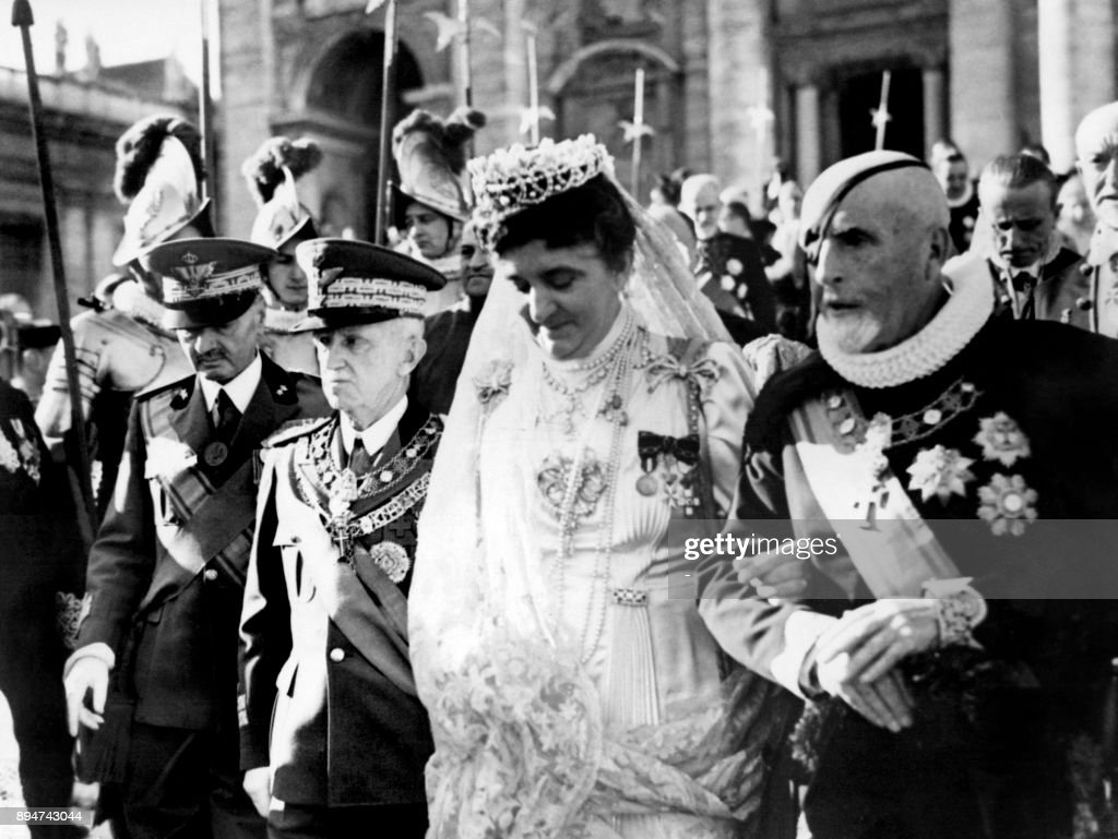 VATICAN-ITALY-HISTORY-ROYALS : News Photo