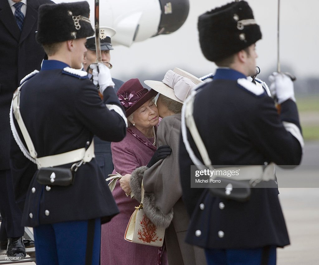 Queen Elisabeth II and Duke Of Edinburgh Visit The Netherlands : News Photo