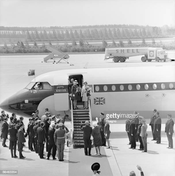 Queen Elisabeth II of England on the occasion of her state visit in Austria Photography 1969 [Queen Elisabeth II von England anlaesslich ihres...