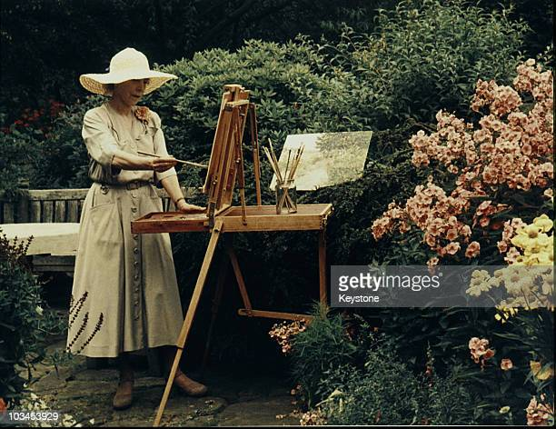 Queen Elisabeth of Belgium painting in 1960
