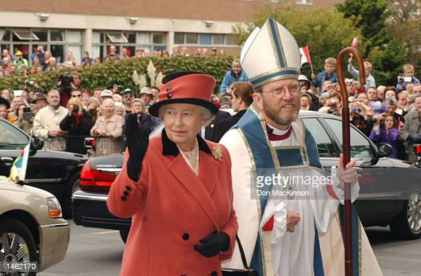 Queen Elizabeth arrives at Christ Church Cathedral October 6 2002 in Victoria British Columbia The Queen is escorted by the Bishop of British...