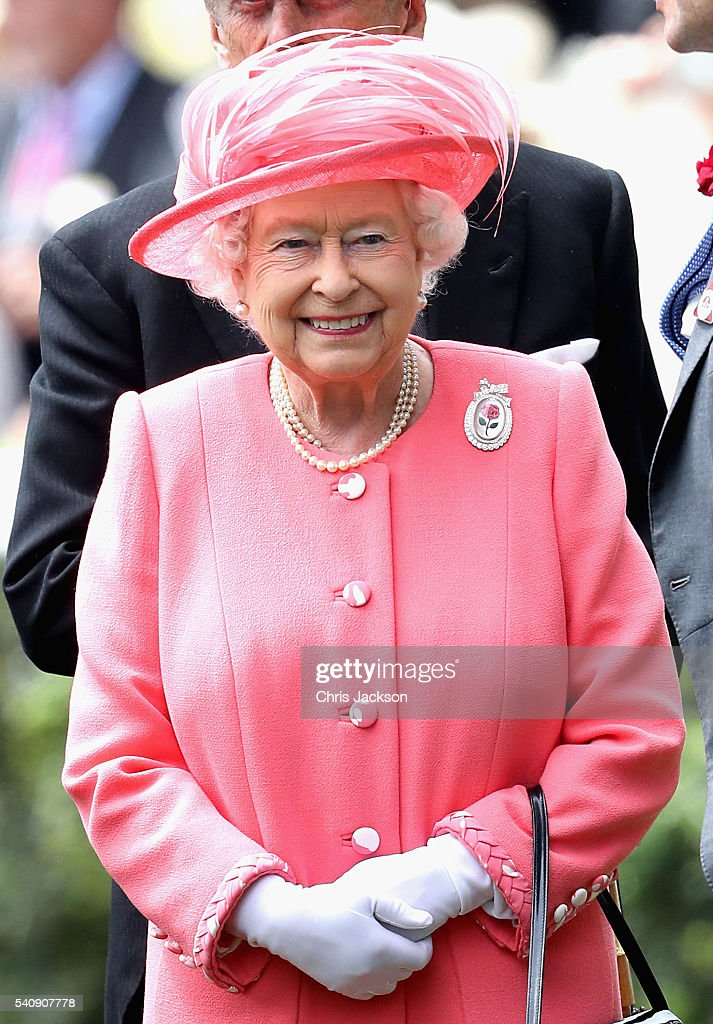 Queen Elizabeth arrives into the Parade Ring on the fourth day of Royal Ascot at Ascot Racecourse on June 17, 2016 in Ascot, England.
