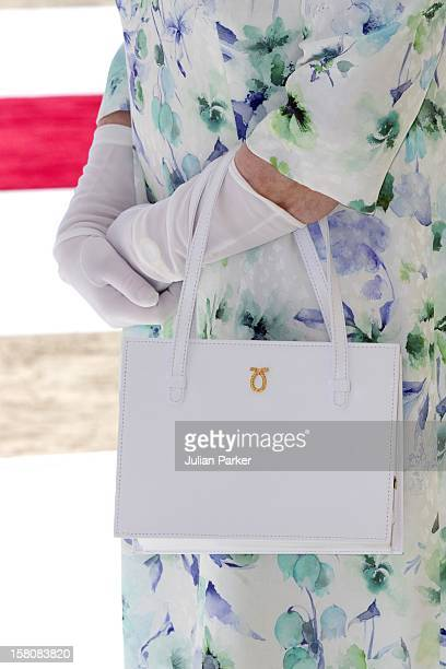Queen Elizabeth Attends An Unveiling Of A Design For The Shiekh Zayed National Museum And Look At Other Projects In An Exhibition And After Took A...