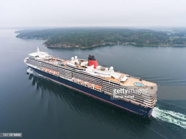 Drottning Elizabeth Cruiser Ship i svenska skärgården