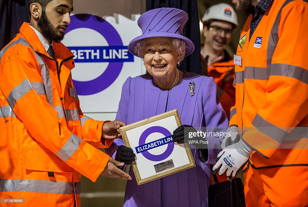 The Queen Visits The Crossrail Station Site At Bond Street : News Photo