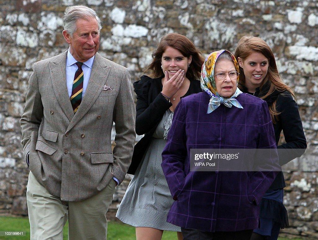The Royal Family Disembark The Hebridean Princess : Nachrichtenfoto