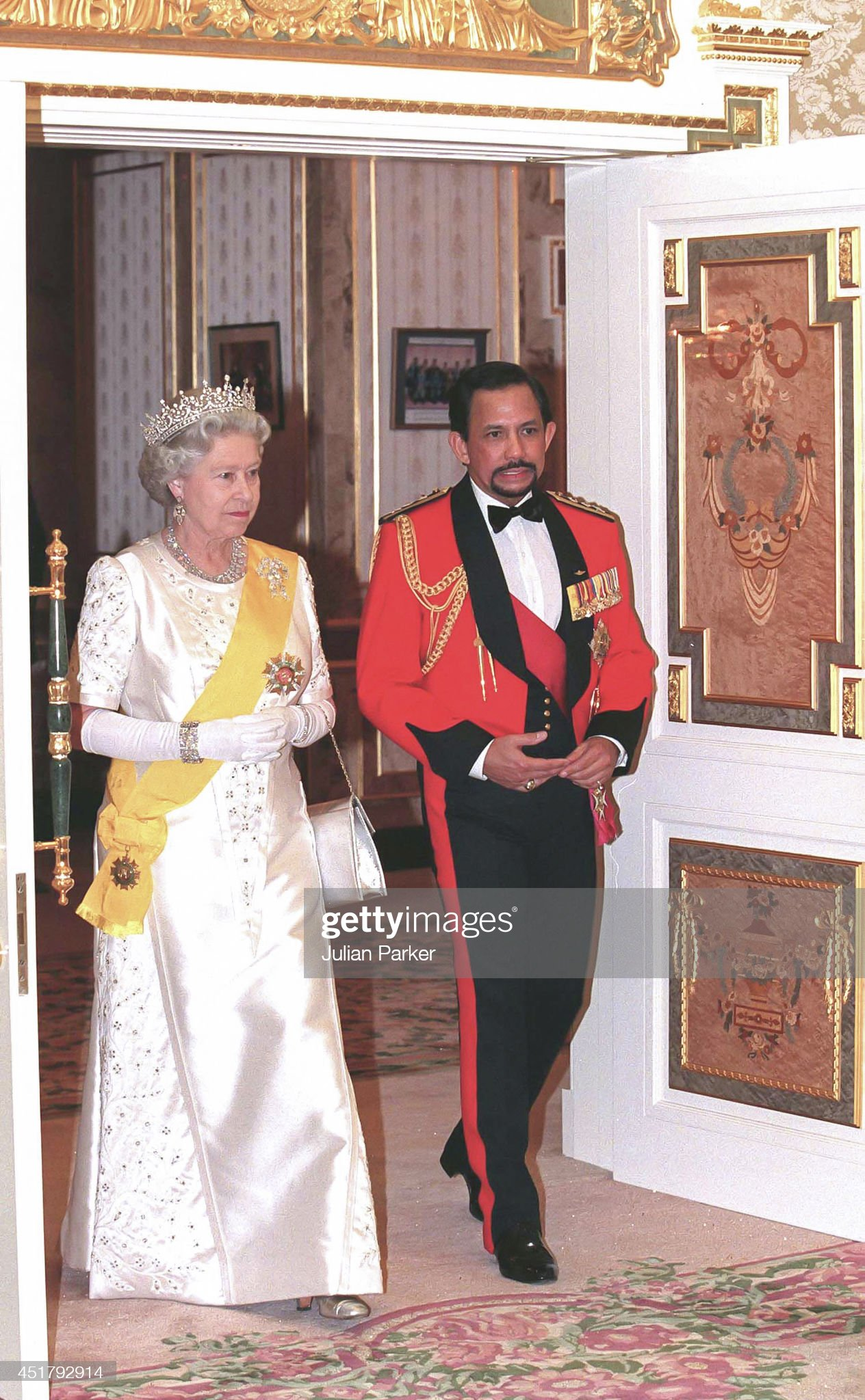 State visit to Brunei 1998 : News Photo