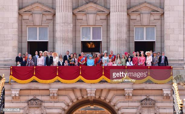 Queen Elizabeth II and members of the British Royal family stand on the balcony of Buckingham Palace during the Trooping the Colour parade on June 9...