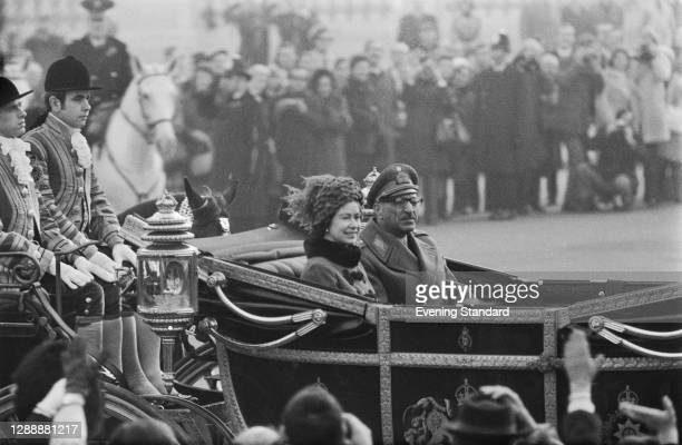 Queen Elizabeth II and Mohammed Zahir Shah , king of Afghanistan, on their way to Buckingham Palace in London during his official visit, UK, 7th...