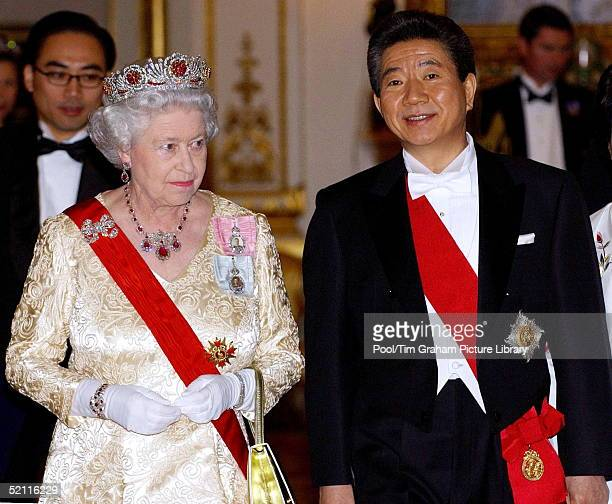 Queen Elizabeth II And President Roh Moohyun Of South Korea Attending A State Banquet At Buckingham Palace During His State Visit