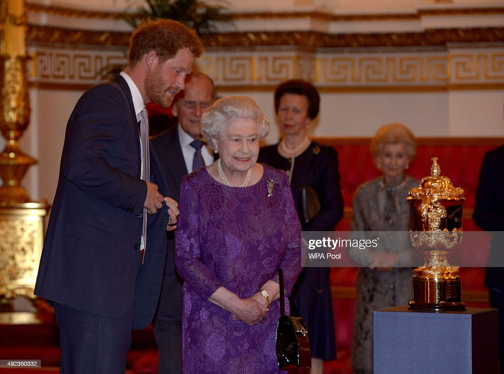 The Queen Hosts Reception To Mark The Rugby World Cup 2015 : News Photo